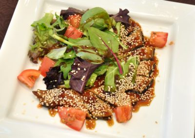 Eel and California mix salad