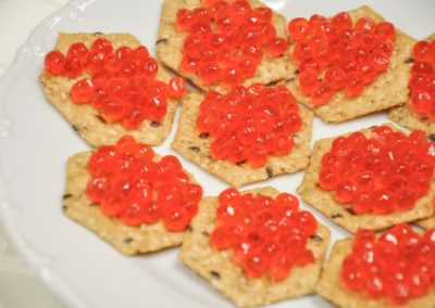 Red caviar and crackers